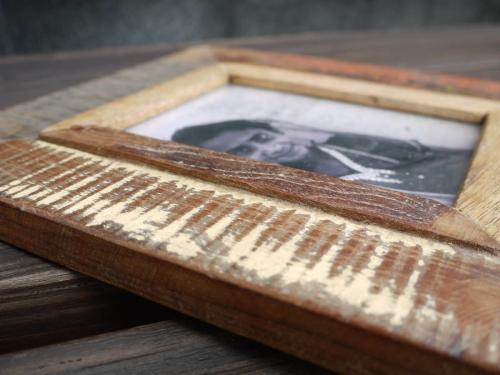 Bilderrahmen Holz Recycling ~   Style Bilderrahmen  Fino, 10x15cm mit Farbresten aus recyceltem Holz