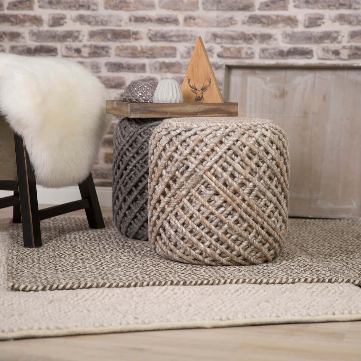 Hocker THREAD Sand
